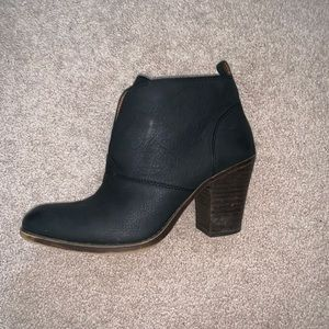Lucky Brand black ankle boots size 10